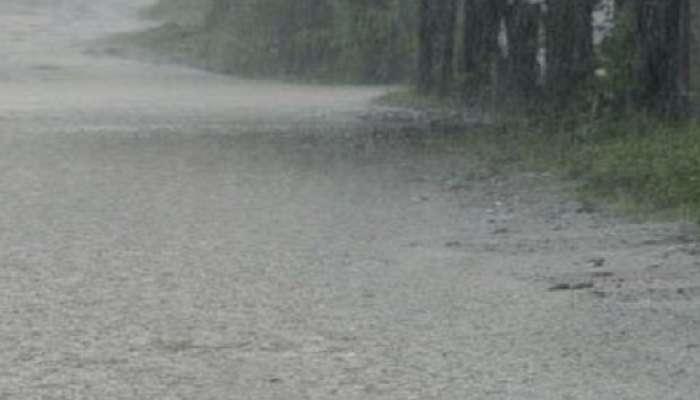 नाशिक पालिकेचे नियोजन शून्य, झोपड्यांमध्ये ५ फुटापर्यंत पावसाचे पाणी घुसले
