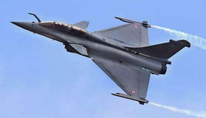 फ्रान्सकडून भारताला पहिले राफेल लढाऊ विमान