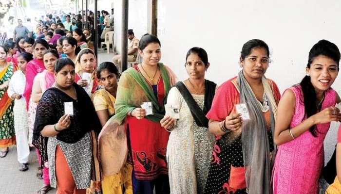 रायगडमध्ये महिला मतदार ठरवणार उमेदवारांचं भवितव्य