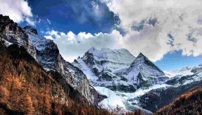 बर्फवृष्टीमुळे बहरलं हिमाचल; पर्यटकांनी धरली देवभूमीची वाट