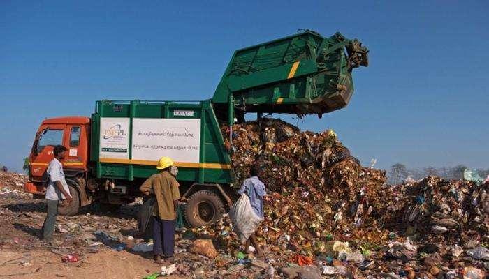 कचरा गोळा करणाऱ्या कर्मचाऱ्यांना एमआयएम नगरसेवकांकडून मारहाण