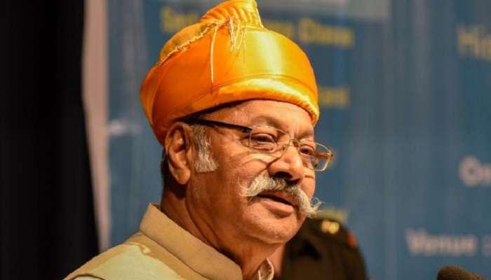 श्रीनिवास पाटील यांनी संसदेत घेतली खासदारकीची शपथ