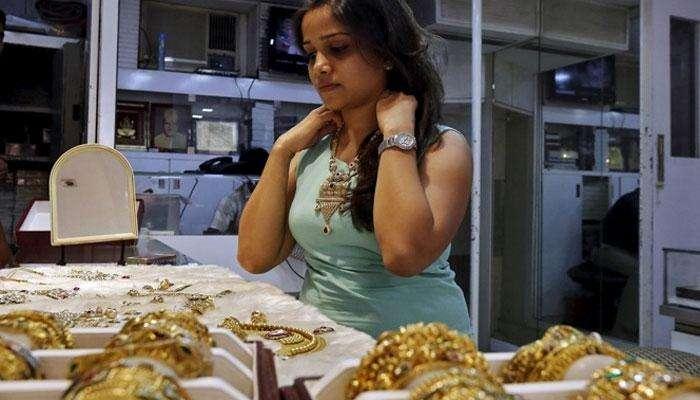 सोने दराचा विक्रम, ४२ हजार ८६० रुपये प्रति तोळा
