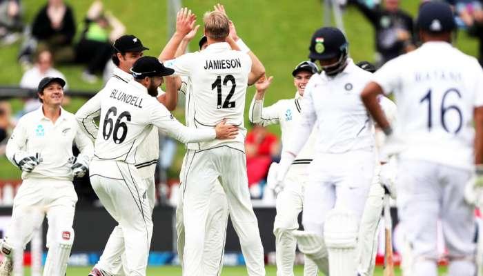 वेलिंग्टन टेस्टमध्ये न्यूझीलंडच्या माऱ्यासमोर भारताच्या फलंदाजांचा संघर्ष