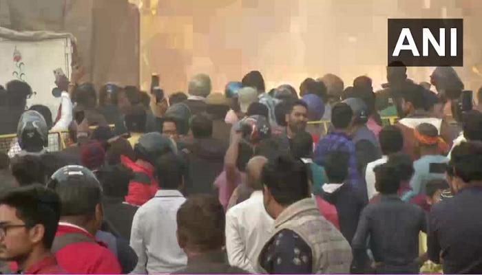 दिल्लीत एनआरसी विरोधातील आंदोलनाला हिंसक वळण