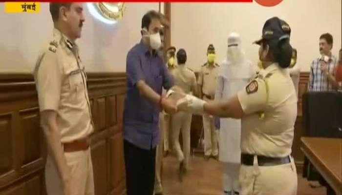 ANIL DESHMUKH DISTRIBUTING CORONA PROTEST KITS TO MUMBAI POLICE