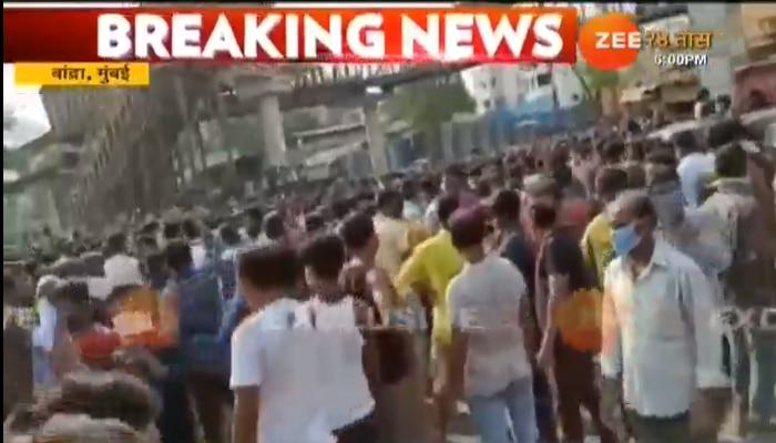 Lockdown : ...म्हणून वांद्रे स्थानकाबाहेर होती हजारो कामगारांची गर्दी