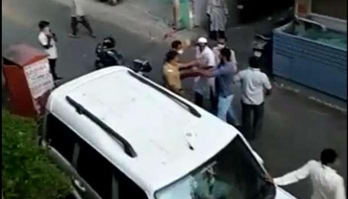 Lockdown : विनाकारण रस्त्यावर फिरणाऱ्यांना जाब विचारल्यानं पोलिसांना मारहाण