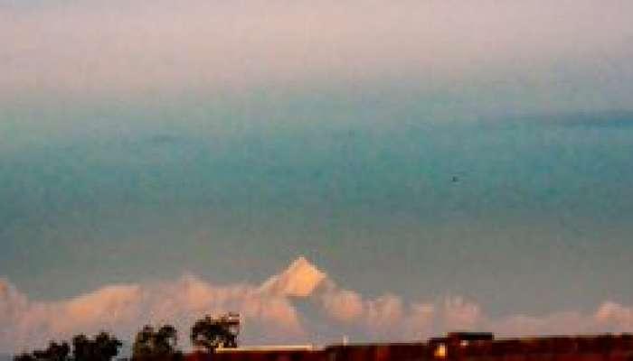 अविश्वसनीय! उत्तर प्रदेशातूनही दिसत आहेत हिमालयातील बर्फाच्छादीत पर्वतरांगा
