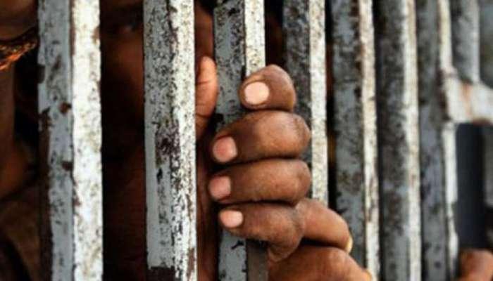 राज्यातील ४० ते ५० टक्के कैद्यांना पॅरोलवर सोडण्याचा निर्णय