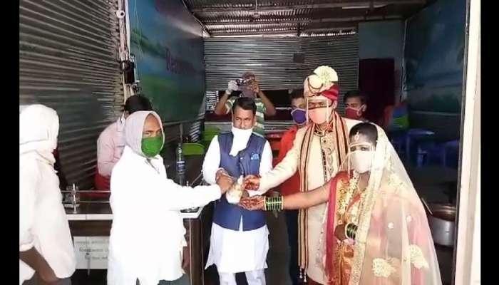 विवाहातील खर्च टाळून दोन हजार गरिबांना मोफत 'शिवभोजन थाळी'