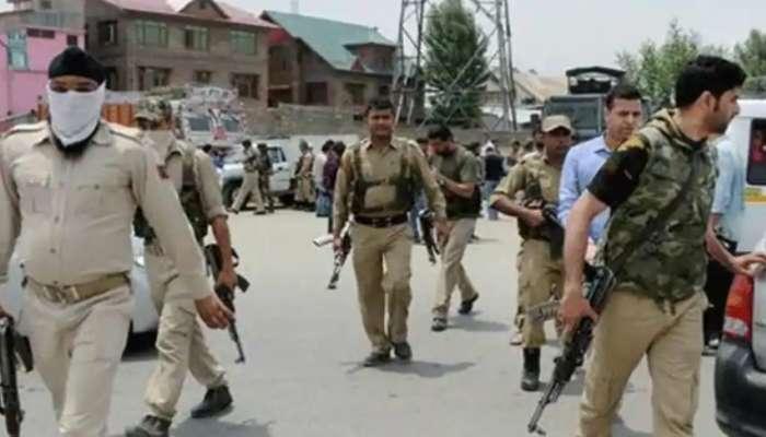 काश्मीरमध्ये दहशतवादी हल्ल्याचा कट उधळला; स्फोटकांचा मोठा साठा जप्त