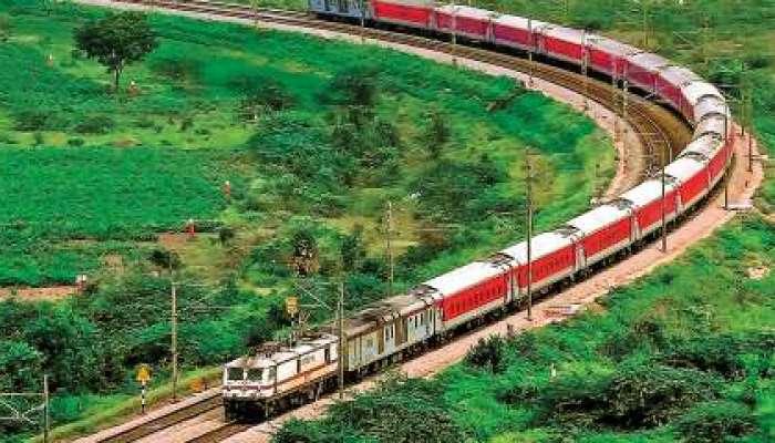 निसर्ग चक्रीवादळ : लांब पल्ल्याच्या 'या' रेल्वे गाड्यांच्या वेळा बदलल्या