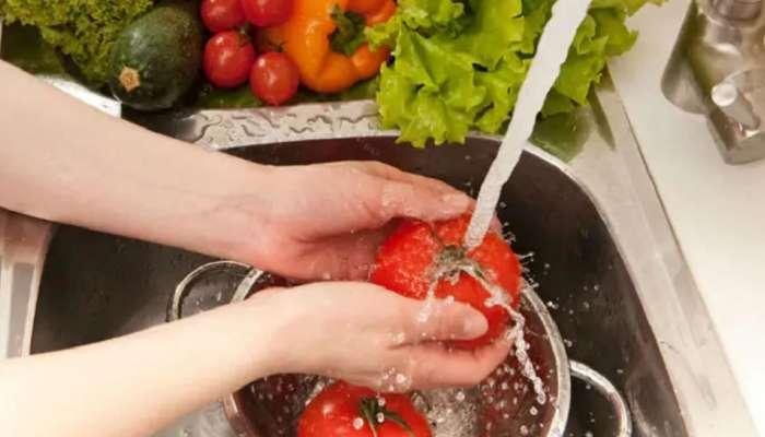 खाण्या-पिण्यााच्या वस्तूंवर सॅनिटायजरचा वापर करत असाल, तर हे वाचाच