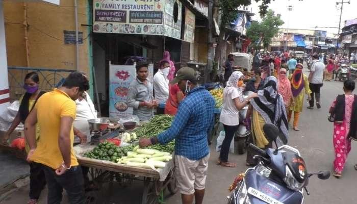 उद्यापासून लॉकडाऊन असल्याने कल्याण-डोंबिवलीत खरेदीसाठी लोकांची गर्दी