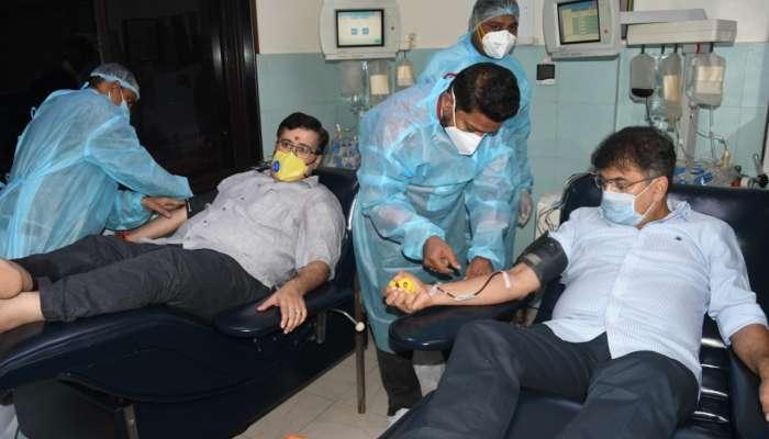 गृहनिर्माणमंत्री डॉ. जितेंद्र आव्हाड यांनी केले प्लाझ्मा दान