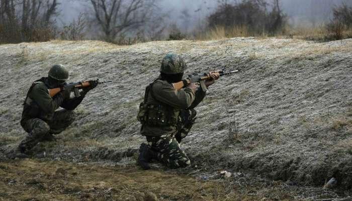 जम्मू-काश्मीरच्या कुपवाडामध्ये भारतीय जवान आणि दहशतवाद्यांमध्ये चकमक