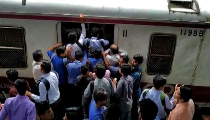 मुंबई लोकल प्रवासाला रेल्वेकडून असे अडथळे, राज्य सरकारच्या 'पंचसूत्री'लाच आक्षेप
