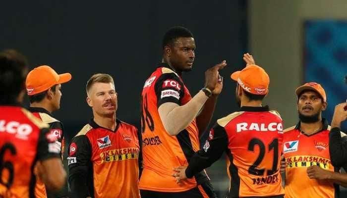 कोहलीचा RCB संघ IPL मधून बाहेर, 6 विकेटने हैदराबादचा विजय