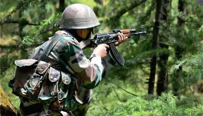 Jammu Kashmir : सुरक्षा दलांसोबतच्या चकमकीत ४ दहशतवाद्यांचा खात्मा