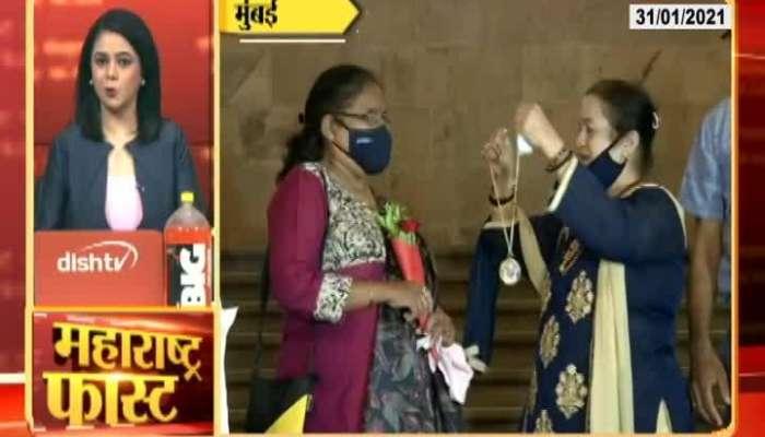 Mumbai Mayor Kishori Pednekar Welcome To First BMC Heritage Tourist