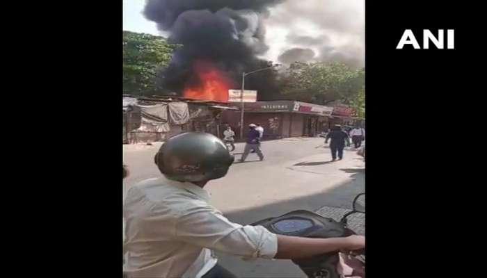 FIRE | मुंबईत आगीचे सत्र सुरूच; गोरेगावमध्ये कपड्यांच्या दुकानांना आग