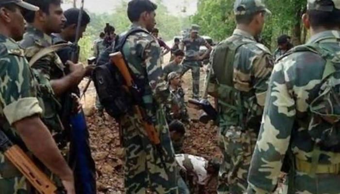 Chhattisgarh : छत्तीसगडमध्ये नक्षलवाद्यांसोबत झालेल्या चकमकीत 5 जवान शहीद