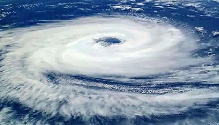 Tauktae Cyclone: महाराष्ट्रासह  'या' राज्यांना चक्रीवादळाचा धोका