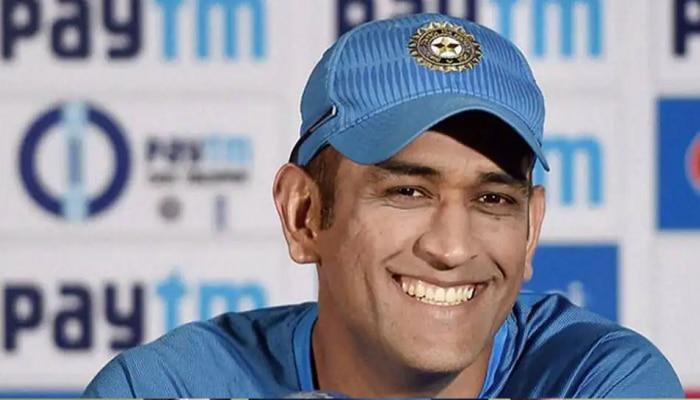 धोनीच्या एका सल्ल्याने करियर बदलंल, टीम इंडियाच्या स्टार ऑलराऊंडरचा खुलासा