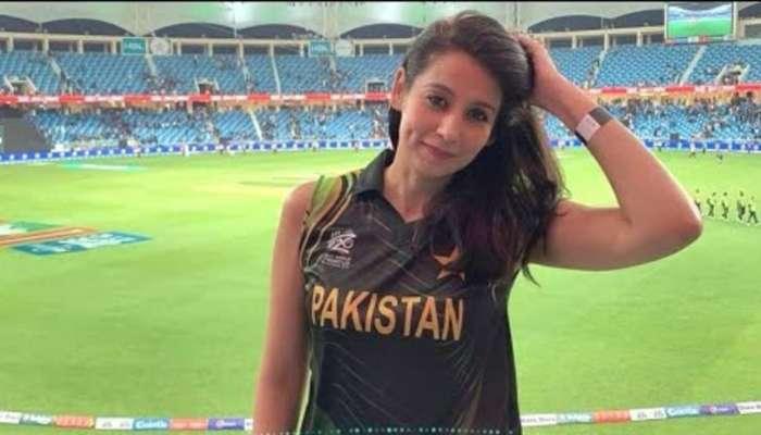 पाकिस्तानची तरुणी जेव्हा म्हणते 'मला टीम इंडिया हा एकमेव खेळाडू मला गिफ्ट द्या'