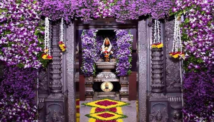 निर्जला एकादशीसाठी पंढरी सजली! विठ्ठल-रुक्मिणी मंदिराला आकर्षक फुलांची सजावट, फोटो