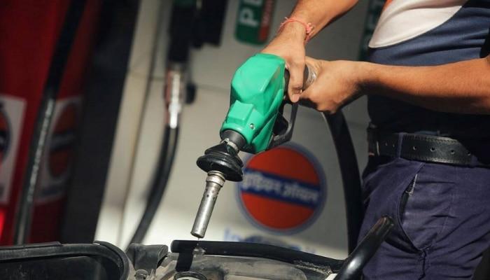 महागाईचा फटका... मुंबईत पहिल्यांदा पेट्रोलच्या दरात एवढी वाढ
