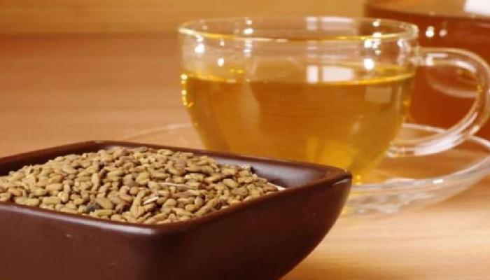 Health Tips : दररोज चहा कॉफी पिण्यापेक्षा मेथीचा चहा पिऊन बघाच...