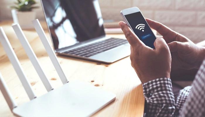 Work From Home  करताना तुमचा Wifi स्लो झालाय? मग हे उपाय नक्की करुन पाहा