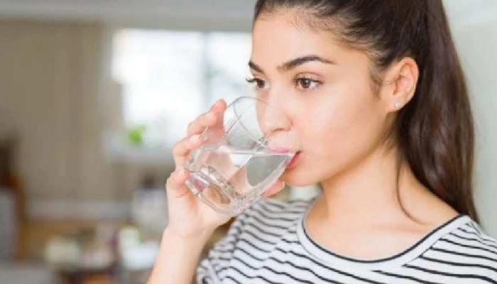 Astrology: कोणत्या ग्लासमध्ये पाणी पिल्याने काय होईल परिणाम? आरोग्यच नाही संपत्तीवरही प्रभाव