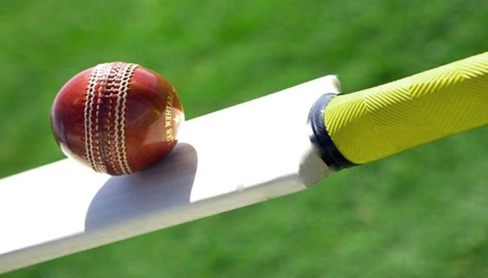 क्रिकेटचा खेळ रंगला अन् आयत्यावेळी बॉल गटारात गेला, 2 युवकांनी असा गमावला जीव
