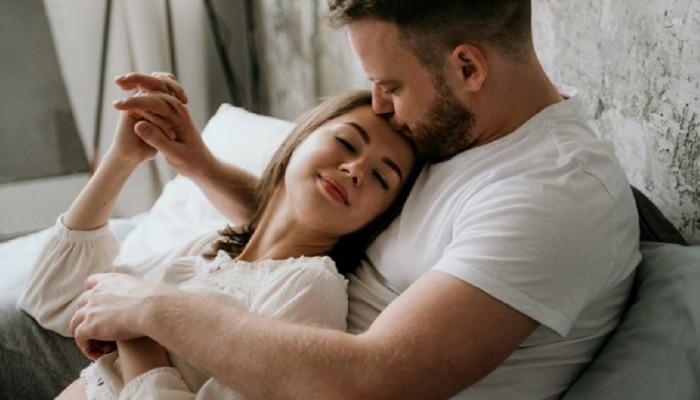 प्रेमाची परीक्षा घेणे Girlfriend ला पडलं महाग... व्हिडीओ पाहून तुम्ही म्हणाल 'आंधळं प्रेम करण्याचे दिवस गेले'