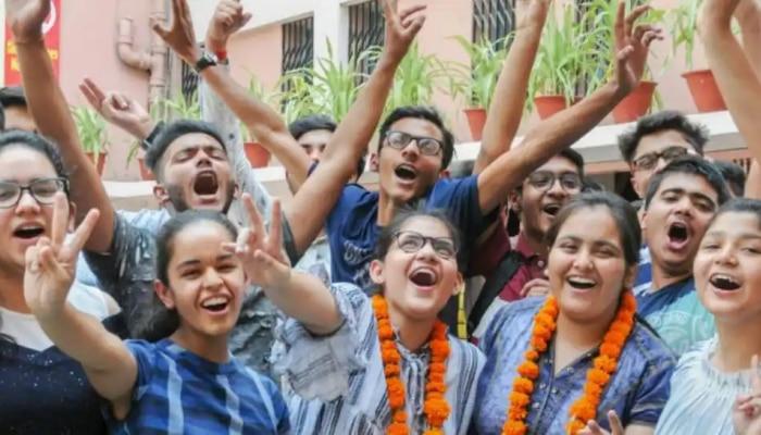 Maharashtra HSC Result : जाणून घ्या किती टक्के विद्यार्थी काठावर पास, तर कितींना 100 टक्के गुण