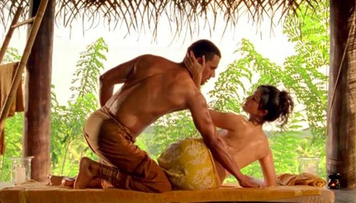 Sunny Leone सोबतचा बोल्ड फोटो शेअर करत अभिनेता लिहितो, '9 पावसाळ्यांपूर्वी...'