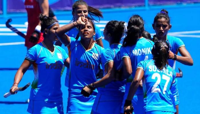 क्रिकेटपटूंवर कोटींची उधळण, पण महिला हॉकी खेळाडू दुर्लक्षितच, हे फोटो पाहून तुम्हीच ठरवा