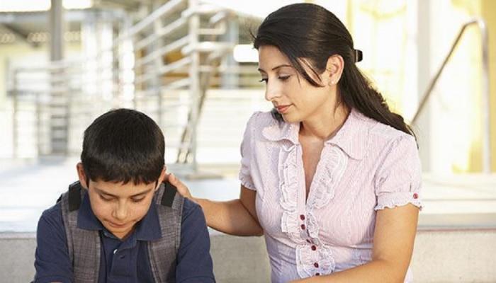 आपल्या मुलांची तुलना इतरांशी करीत असाल तर सावधान; तुमच्या नात्यात पडू शकते खिंडार