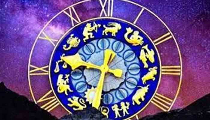 Horoscope : या दोन राशीच्या व्यक्तींनी आज सतर्क रहावं, कारण...