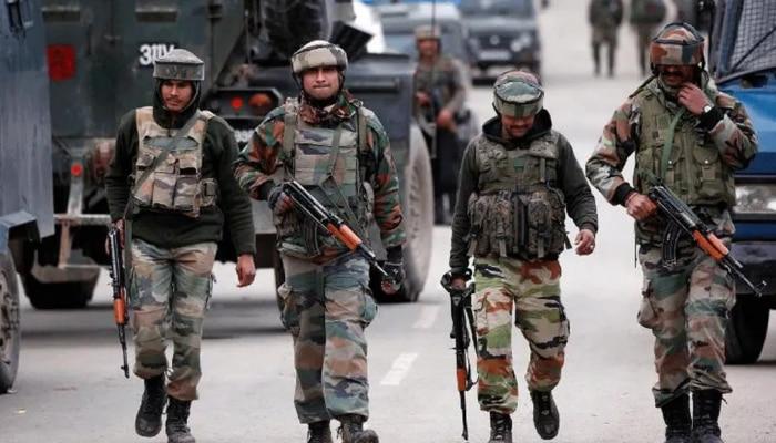 Jammu Kashmir : राजौरीमध्ये चकमक; एका दहशतवाद्याला कंठस्नान, 1 जवान शहीद
