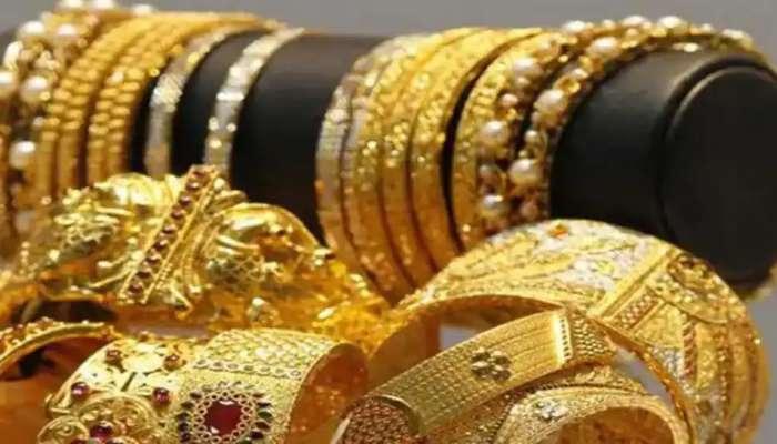 Gold Price : सोन्या-चांदीच्या दरात मोठी घसरण, 10 ग्रॅम सोन्याचा दर तुम्हाला आनंद देईल