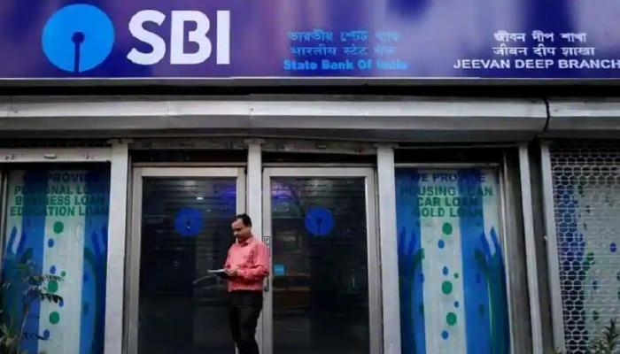 SBI Recruitment 2021: देशातील सर्वात मोठ्या बँकेत काम करण्याची सुवर्णसंधी; आजच करा अप्लाय