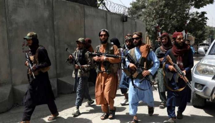 Afghanistan Crisis : तालिबानकडून अफगाण सैनिकांना ऑफर, पण चीन- पाकिस्तानला मोठा झटका