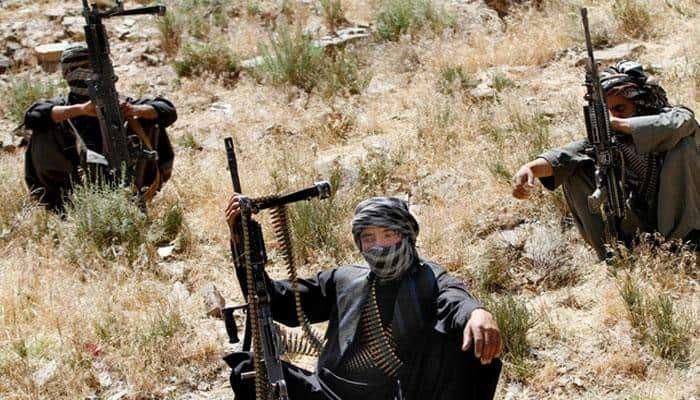 काश्मीरात मोठ्या दहशतवादी हल्ल्याचा कट, ISIS ला पाकिस्तान पुरवणार हत्यारं