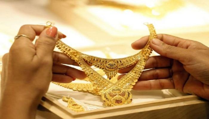 Gold Price Today | सोन्याच्या दरांमध्ये जबरदस्त घसरण; गुंतवणूकदारांसाठी सुवर्ण संधी