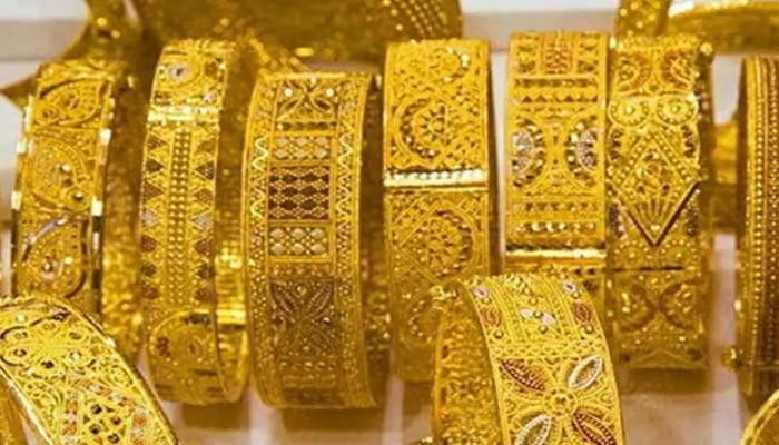 Gold Price Today   सोन्याच्या घसरणीमुळे गुंतवणूकदारांनी साधली संधी; तुम्ही खरेदी केले का?